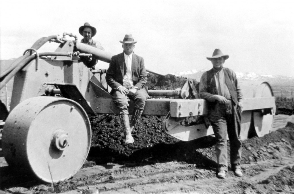 W.W. Clyde & Co. Historic Grader